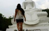 Visiting the White Buddha in Pai Thailand