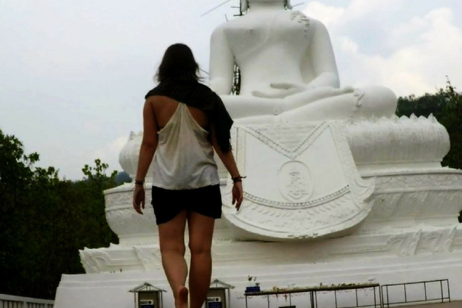 Visiting the White Buddha in Pai Thailand