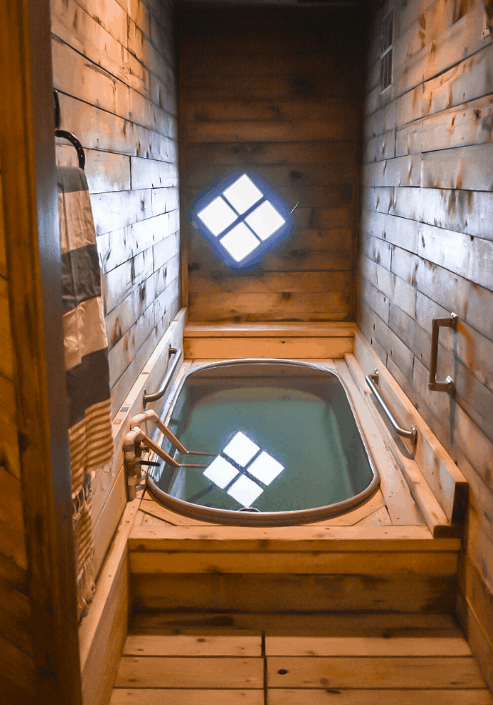 Private Soaking Tub at Crystal Crane Hot Springs (Tub #5)